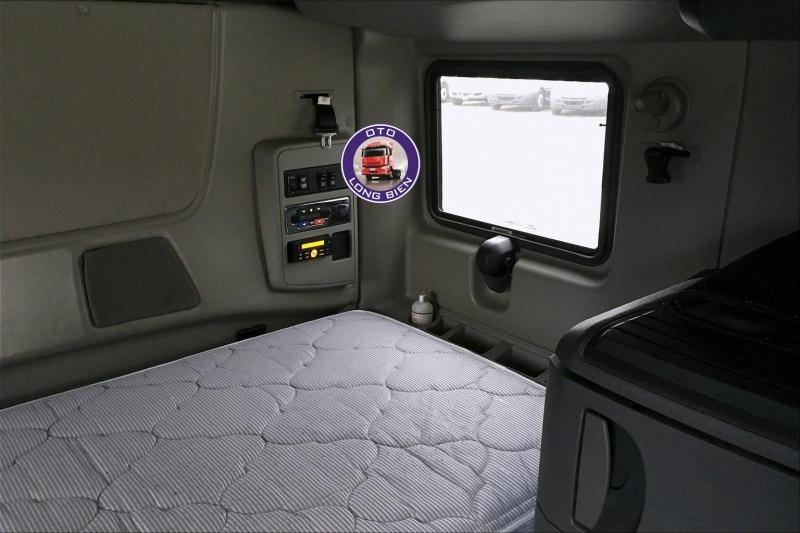 Xe đầu kéo Mỹ 2 giường động cơ Cummins và N13 mới 2021