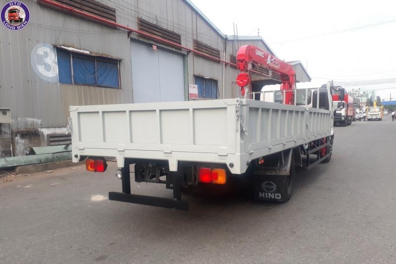 Xe tải gắn cẩu Unic 3 tấn Hino FC
