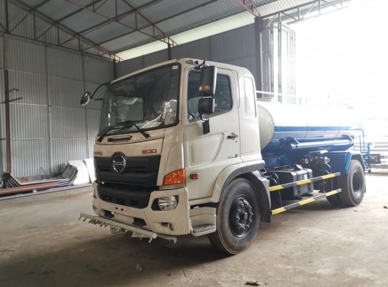 Xe phun nước rửa đường Hino FG 8 khối (8m3)