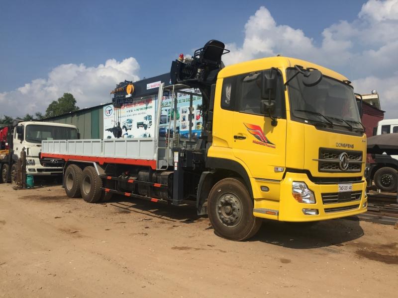 Xe tải gắn cẩu tự hành 7 tấn mới nhất 2021