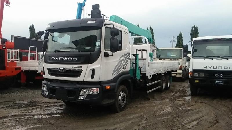 Xe tải gắn cẩu 5 tấn Daewoo
