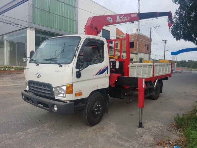 Xe tải gắn cẩu 3 tấn Hyundai HD700