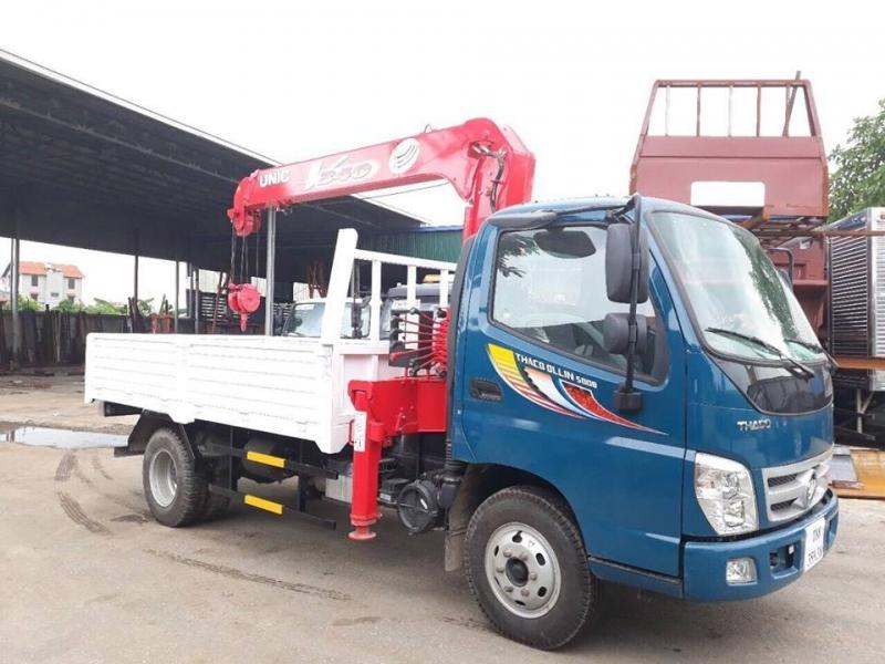 Xe cẩu tự hành Unic 3 tấn Thaco Ollin 500