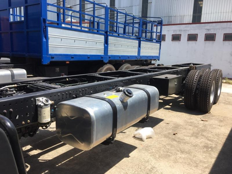 Xe tải gắn cẩu tự hành 5 tấn - 7 tấn Thaco C240